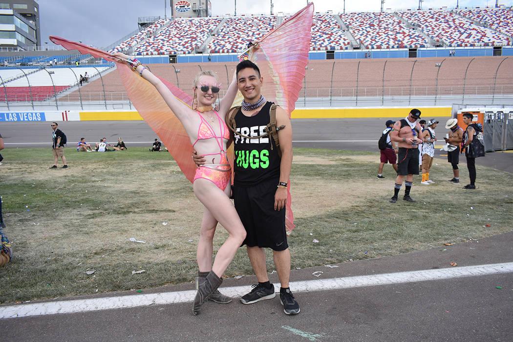 Sarah Vachon y Max Lee se mostraron felices con las actividades de este evento. Del 18 al 20 de mayo de 2018 en Autódromo de Las Vegas. Foto Anthony Avellaneda / El Tiempo.