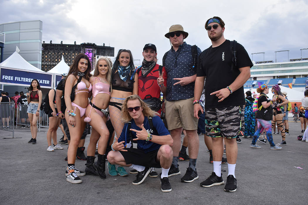 Este grupo de amigos conformado por turistas y locales celebraron un festival emocionante. Del 18 al 20 de mayo de 2018 en Autódromo de Las Vegas. Foto Anthony Avellaneda / El Tiempo.