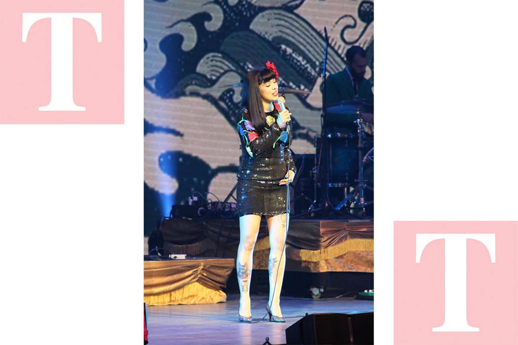 La chilena Mon Laferte presentó sus boleros con letras de desamor. Sábado 19 de mayo de 2018, en el escenario del Pearl. Foto Cristian De la Rosa / El Tiempo - Contribuidor.