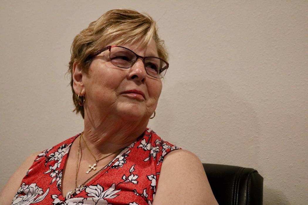 Mary Duda discute su pancreatoduodenectomía, o procedimiento Whipple, que tuvo para su cáncer de páncreas en las oficinas médicas de la UNLV en Las Vegas, el martes 22 de mayo de 2018. Madelyn ...