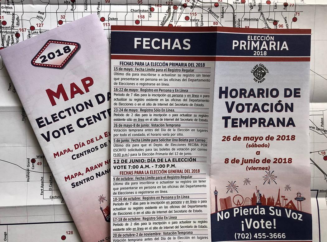 Los folletos de información básica electoral, producidos por el Departamento de Elecciones del Condado de Clark, están en tres idiomas, incluido el español. Foto Valdemar González / El Tiempo ...