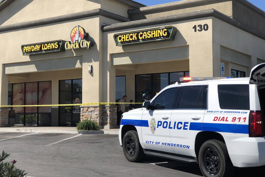 La policía de Henderson está investigando un robo a mano armada que se reportó el martes por la mañana. (Rio Lacanlale / Las Vegas Review-Journal) @riolacanlale