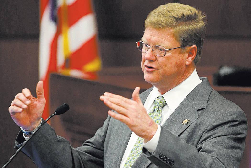 El representante republicano Mark Amodei se dirige a una sesión conjunta de la Legislatura de Nevada en Carson City, Nev., En Monay, 25 de marzo de 2013. (AP Photo / Cathleen Allison)