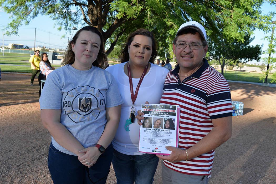 Geovanni Reyes y Doris Abrego son los padres de la joven Molly Reyes, desaparecida desde el viernes 18 de mayo. En la foto, Geovanni con sus otras dos hijas, Sasha y Jennifer. Miércoles 30 de may ...