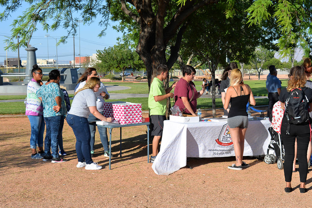 La segunda jornada de búsqueda fue coordinada por Nevada Child Seekers. Miércoles 30 de mayo, en el parque Firefighters Memorial. Foto Frank Alejandre / El Tiempo.