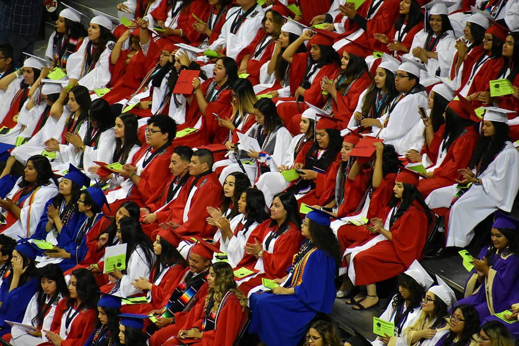 Cerca de 1,300 estudiantes latinos se graduaron de la preparatoria en este 2018. 27 de mayo de 2018 en Thomas & Mack Center. Foto Anthony Avellaneda / El Tiempo.