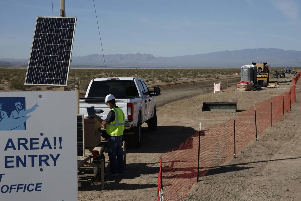El sitio de construcción de los proyectos solares del Valle de El Dorado fotografiado el jueves 31 de mayo de 2018 en Boulder City. Bizuayehu Tesfaye / Las Vegas Review-Journal @bizutesfaye