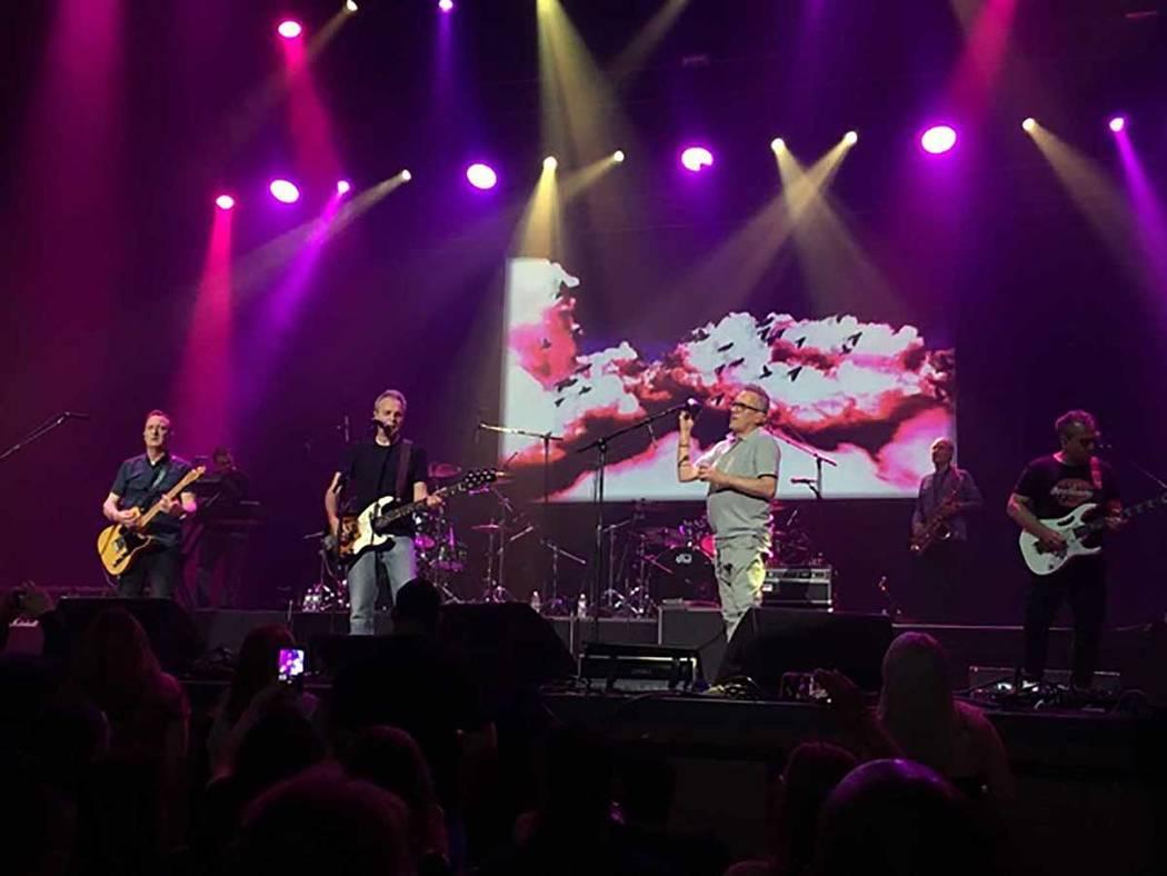 Enanitos Verdes y Hombres G, iniciaron su gira Huevos Revueltos con bastante éxito en Las Vegas. Viernes primero de mayo de 2018, en el Joint del Hard Rock hotel & casino. Foto Frank Alejandre / ...