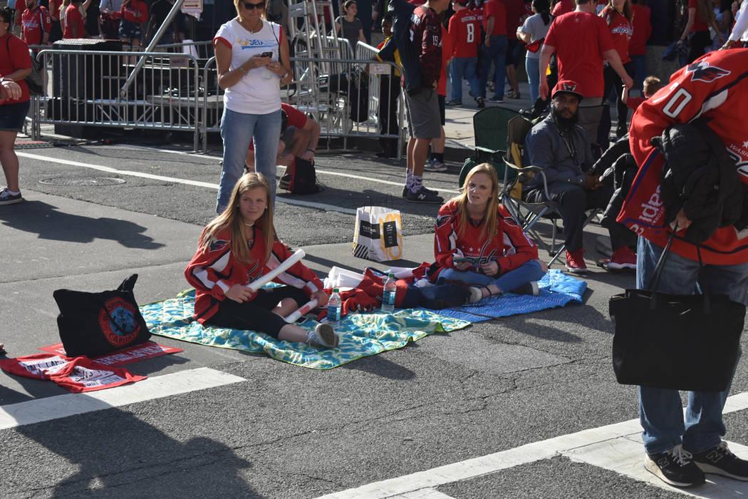 La ilusión de los aficionados de Capitals aumenta por ver a su equipo en la Gran Final. Lunes 4 de junio del 2018 en Capital One Arena de Washington DC. Foto Anthony Avellaneda / El Tiempo.