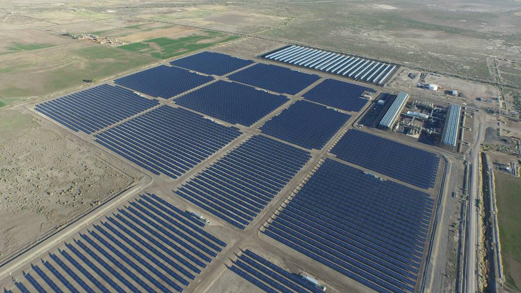 Una foto aérea sin fecha muestra la Planta Híbrida GeoSolar Stillwater de Enel Green Power cerca de Fallon. Una adición de 160 acres a la matriz solar de la planta podría comenzar a entregar e ...