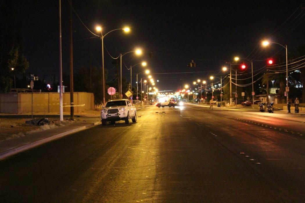 La policía investiga un accidente fatal en la intersección de Nellis Boulevard y Sun Valley Drive el lunes 4 de junio de 2018. (Max Michor / Las Vegas Review-Journal)