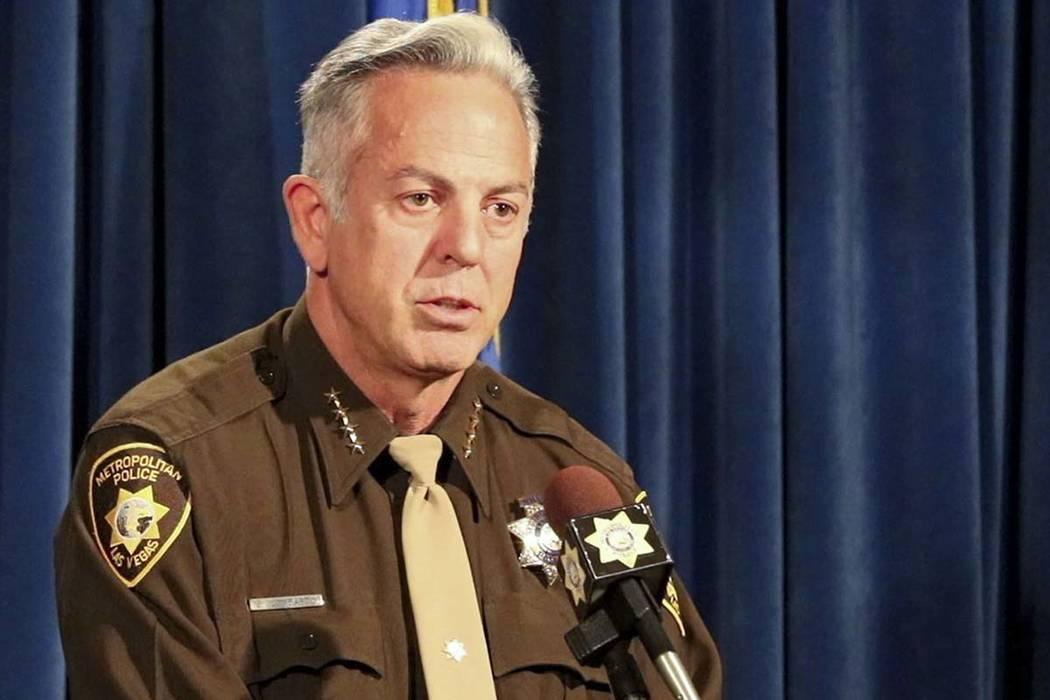 El alguacil del Condado de Clark, Joe Lombardo, informa a los medios sobre la publicación de los registros de audio y video del tiroteo del 1 de octubre en el Strip en la sede del Departamento de ...