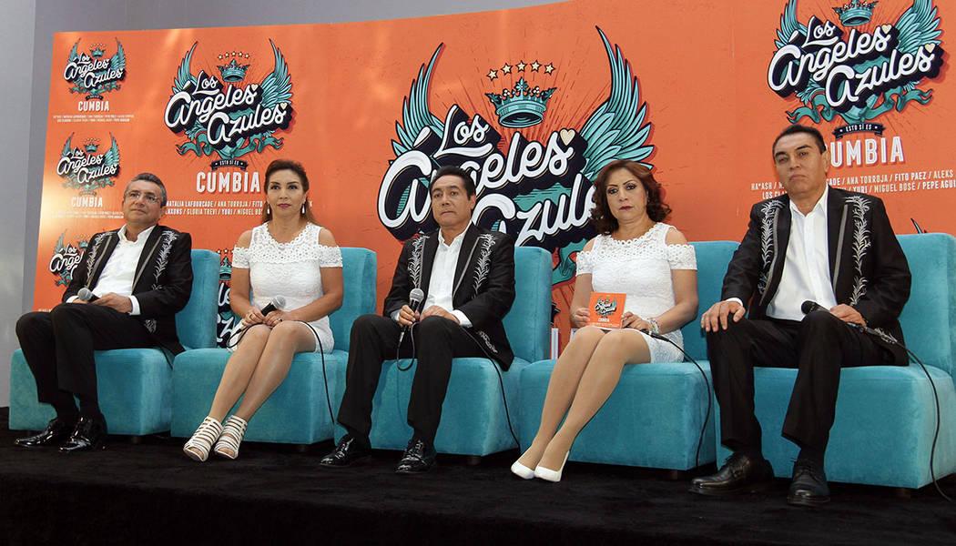 """México, 5 Jun 2018 (Notimex- Francisco García).- En conferencia de prensa los Ángeles Azules presentaron su nuevo disco: """"Esto sí es cumbia"""", hoy en la Ciudad de México."""