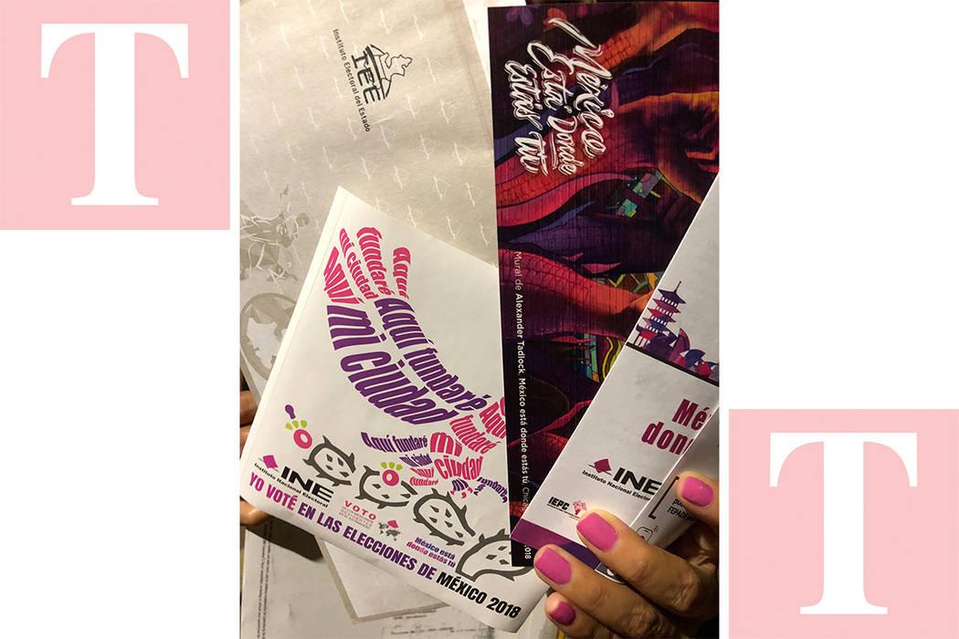 Blanca Cardozo muestra parte de su paquete electoral. El martes 5 de junio del 2018 en La Vegas. Foto Valdemar González / El Tiempo - Contribuidor.