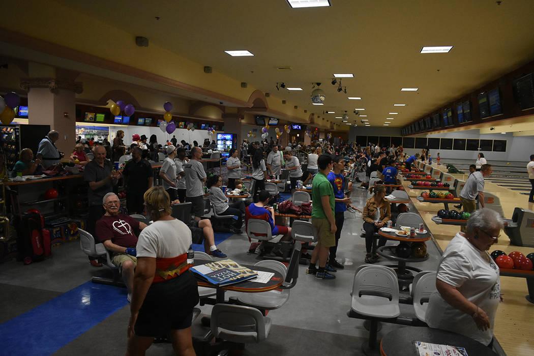 Más de 700 participantes apoyaron el noveno torneo anual de boliche de NPHY. Sábado 9 de junio de 2018 en hotel y casino Suncoast. Foto Anthony Avellaneda / El Tiempo.
