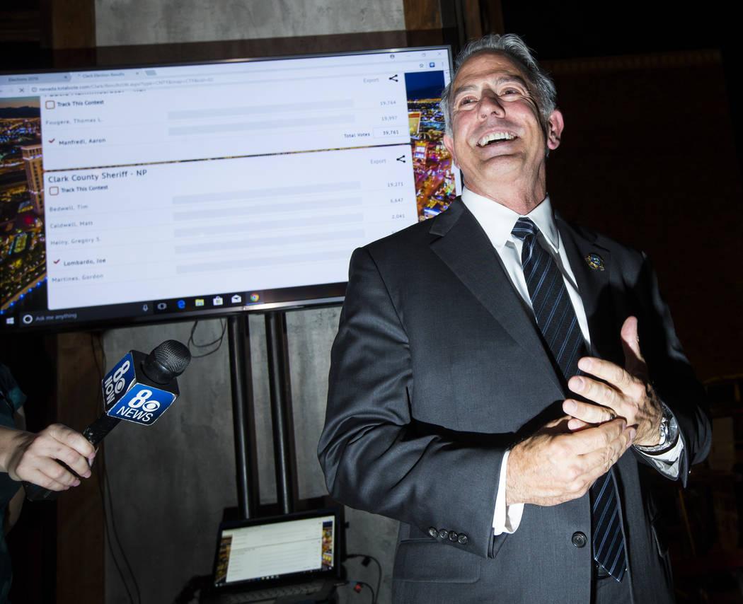 El alguacil del Condado de Clark, Joe Lombardo, pronuncia su discurso de victoria durante su noche de elecciones nocturnas en La Comida, en el centro de Las Vegas, el martes 12 de junio de 2018. C ...