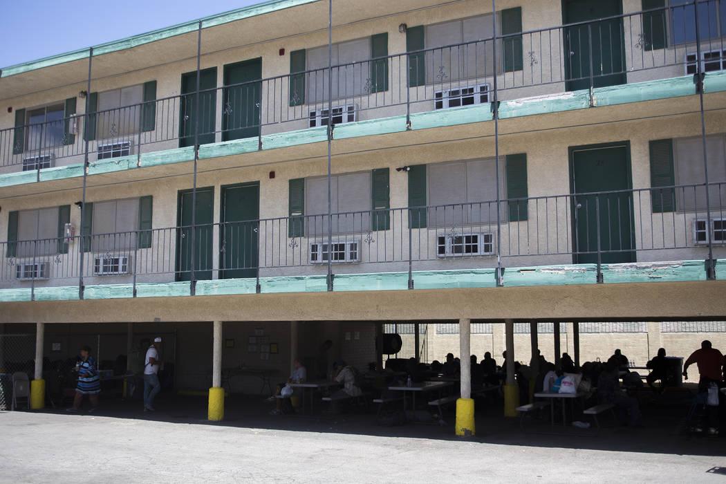 Una estación de enfriamiento en el Courtyard Homeless Resource Center en Las Vegas, miércoles, 13 de junio de 2018. Rachel Aston Las Vegas Review-Journal @rookie__rae