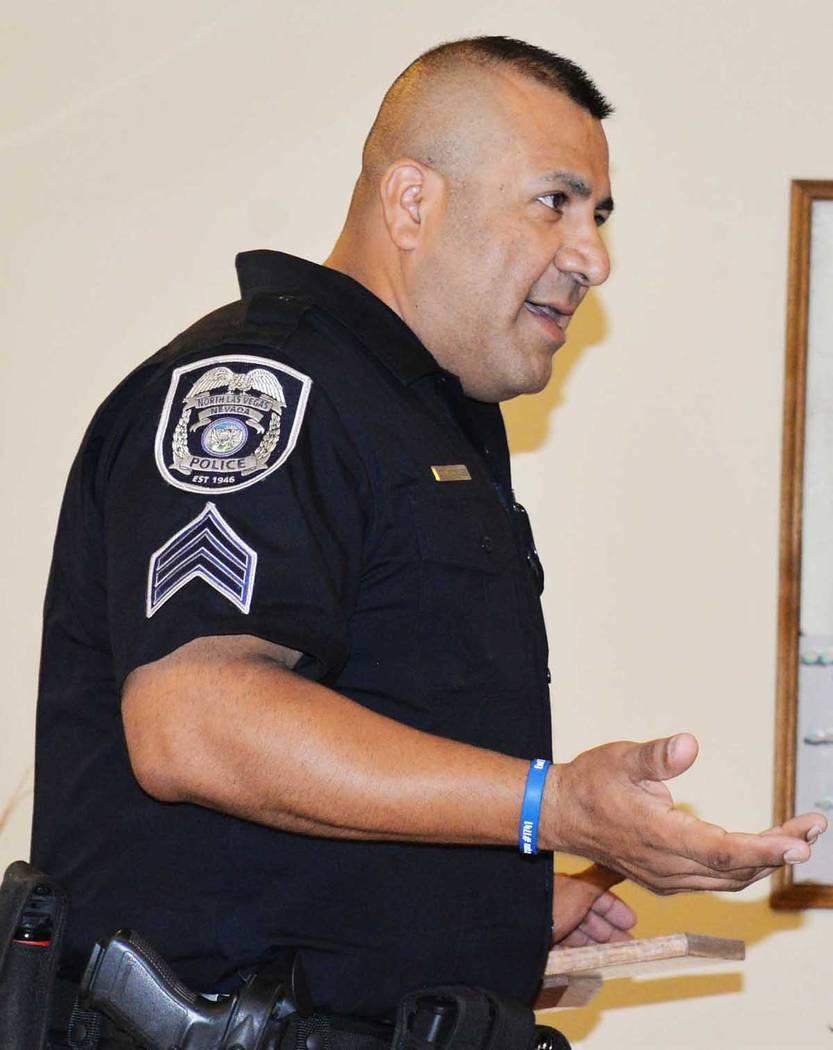Kevin Malone, oficial de información pública del DMV estuvo presente en la junta trimestral de conexión comunitaria. Miércoles 13 de junio, en la iglesia San Cristóbal. Miércoles 13 de junio ...