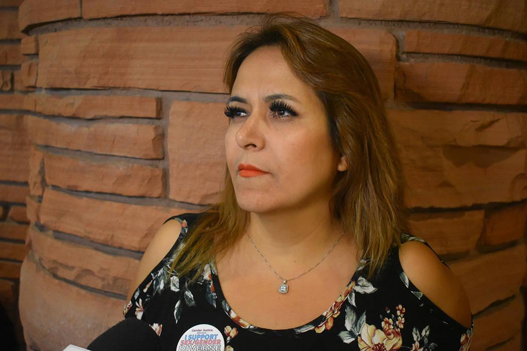 Josefina García es madre de un menor identificado con diversidad de género, dijo apoyarlo al 100 por ciento. Jueves 14 de junio de 2018 en oficina del Condado Clark. Foto Anthony Avellaneda / El ...