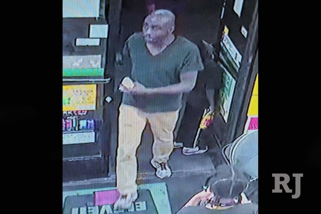 La policía de Las Vegas está buscando a este hombre que es sospechoso de un apuñalamiento fatal en un centro comercial en 2797 S. Maryland Parkway, el domingo 17 de junio de 2018. (Departamento ...