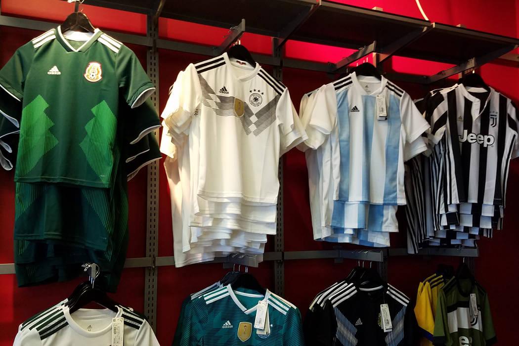 Las camisetas de fútbol 2018 de la Copa Mundial de la FIFA cuelgan en la pared en Soccer Zone en Henderson, Nevada, el lunes 18 de junio de 2018. Ron Kantowski / Las Vegas Review-Journal