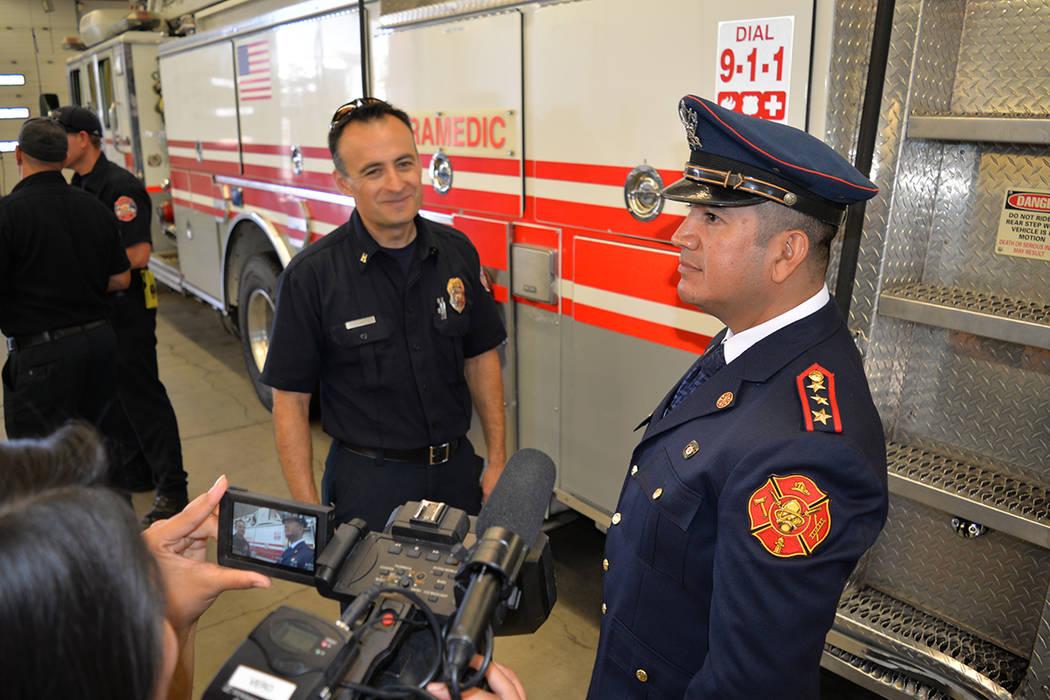 """Esto es un intento de """"fomentar la buena voluntad con los departamentos que necesitan asistencia"""", dijo Sergio Reynoso, capitán del departamento de bomberos de North Las Vegas. Miércoles 20 ..."""