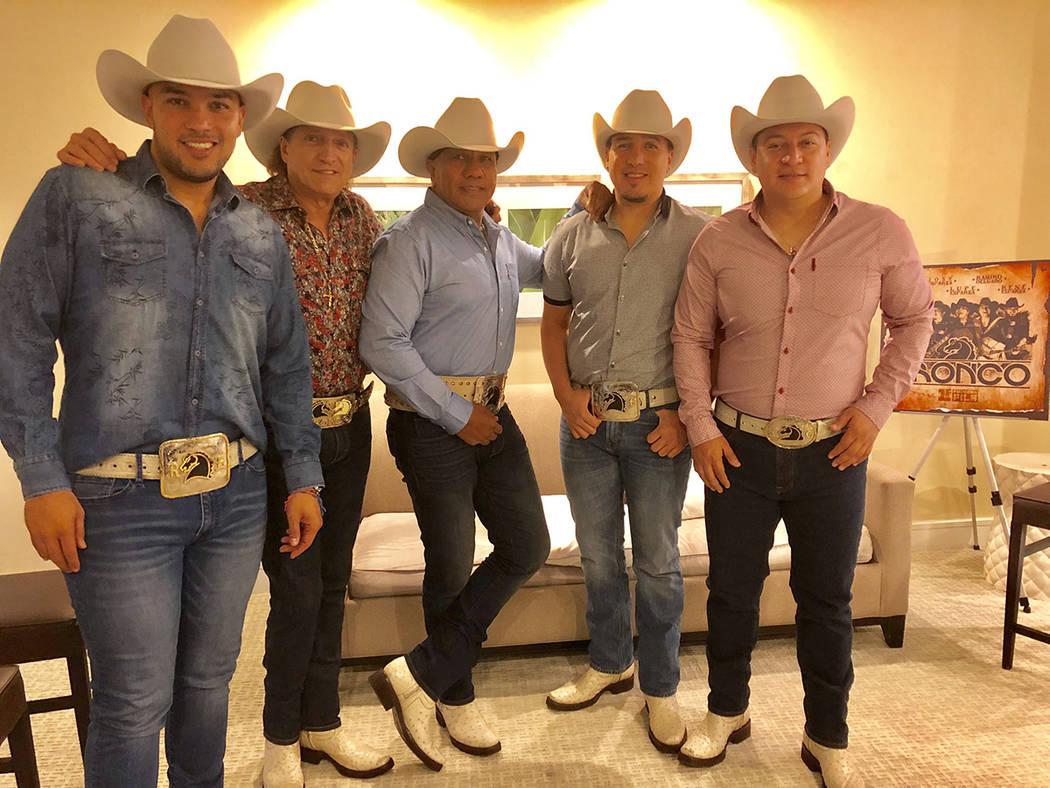 Miami, 20 Jun 2018 (Notimex-Especial).- Acorde con las influencias musicales modernas, el grupo mexicano Bronco busca llegar en su nueva etapa a las nuevas generaciones, por lo que no descarta gra ...