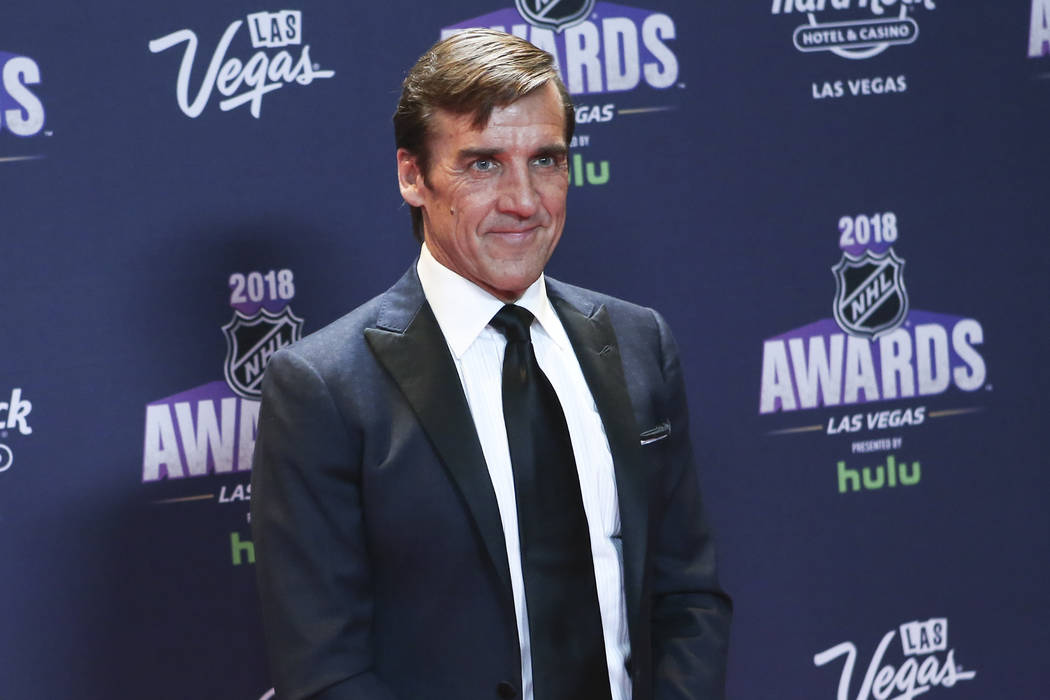 George McPhee, gerente general de los Golden Knights, posa en la alfombra roja antes de los Premios NHL en el Hard Rock Hotel de Las Vegas el miércoles 20 de junio de 2018. Chase Stevens Las Vega ...