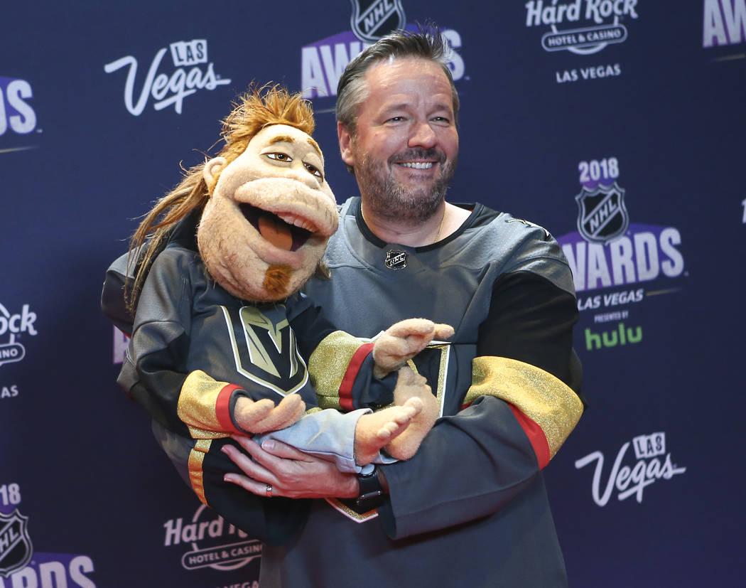 Terry Fator posa en la alfombra roja antes de los Premios NHL en el Hard Rock Hotel de Las Vegas el miércoles 20 de junio de 2018. Chase Stevens Las Vegas Review-Journal @csstevensphoto