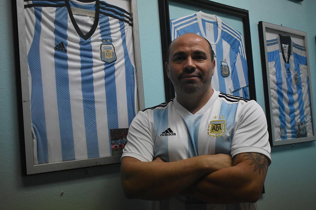 """""""Creo que el problema de Argentina es que no tenemos equipo"""": Pablo Rodríguez, propietario del restaurante Made in Argentina. Jueves 21 de junio de 2018 en el restaurante Made in Argentina. F ..."""