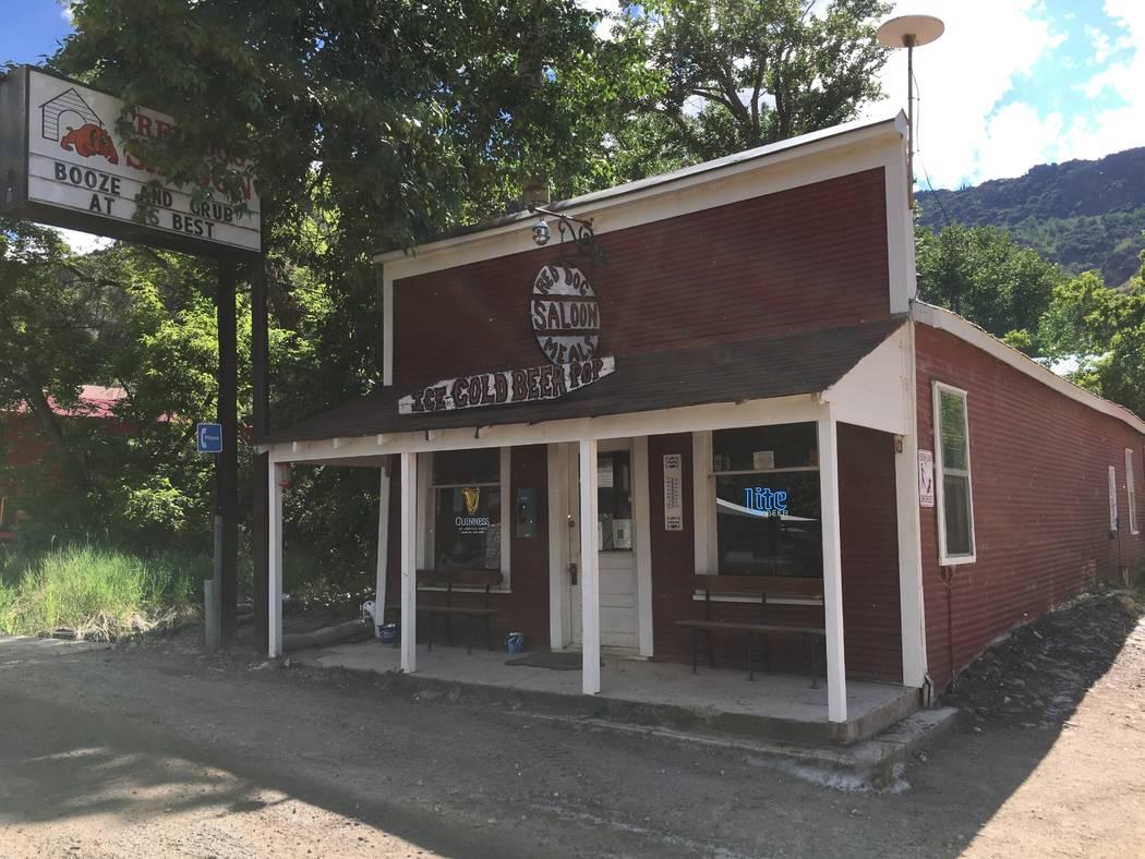 El Red Dog Saloon en Main Street en Jarbidge, 21 de junio de 2018. (Jason Stegall)