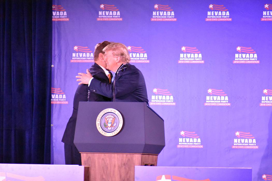 El senador Dean Heller recibió calurosamente al presidente Donald Trump en la Convención Estatal del Partido Republicano 2018. Sábado 23 de junio de 2018 en hotel y casino Suncoast. Foto Anthon ...