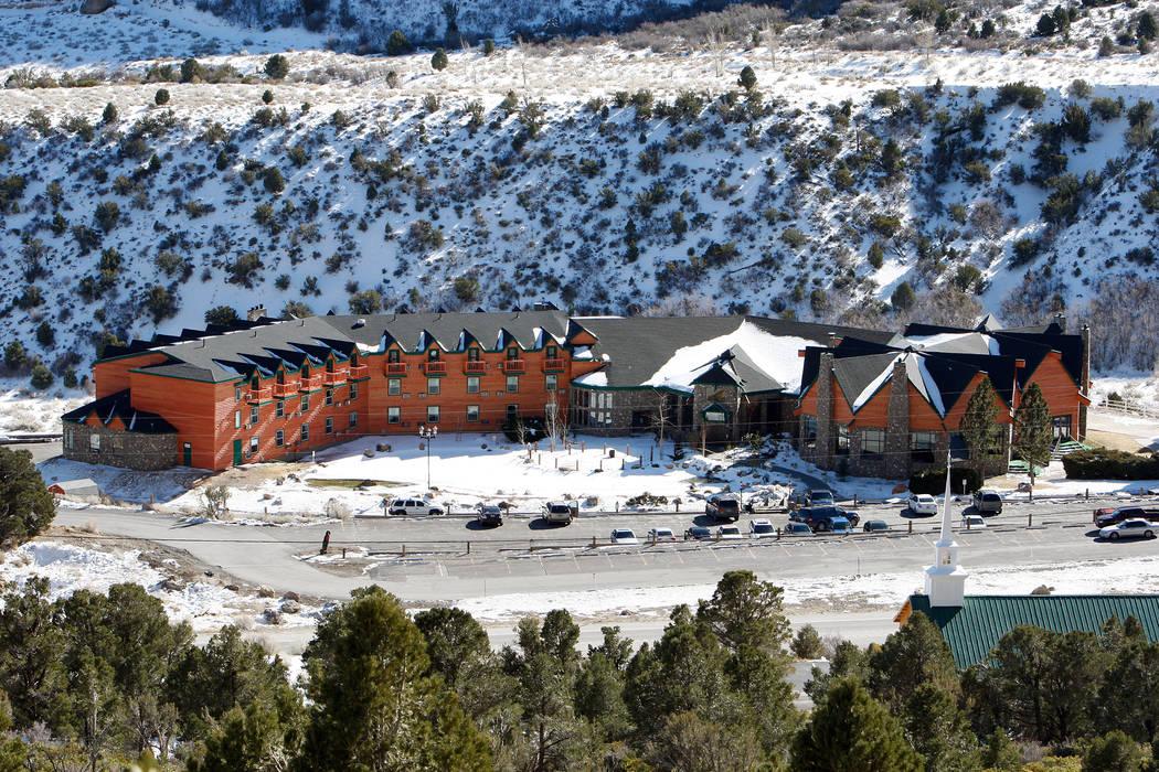 Los hoteleros de Carolina del Norte, Colin y Deanna Crossman, adquirieron el Resort en Mount Charleston, a aproximadamente 64 kilómetros de Las Vegas Strip. (El Grupo Siegel)