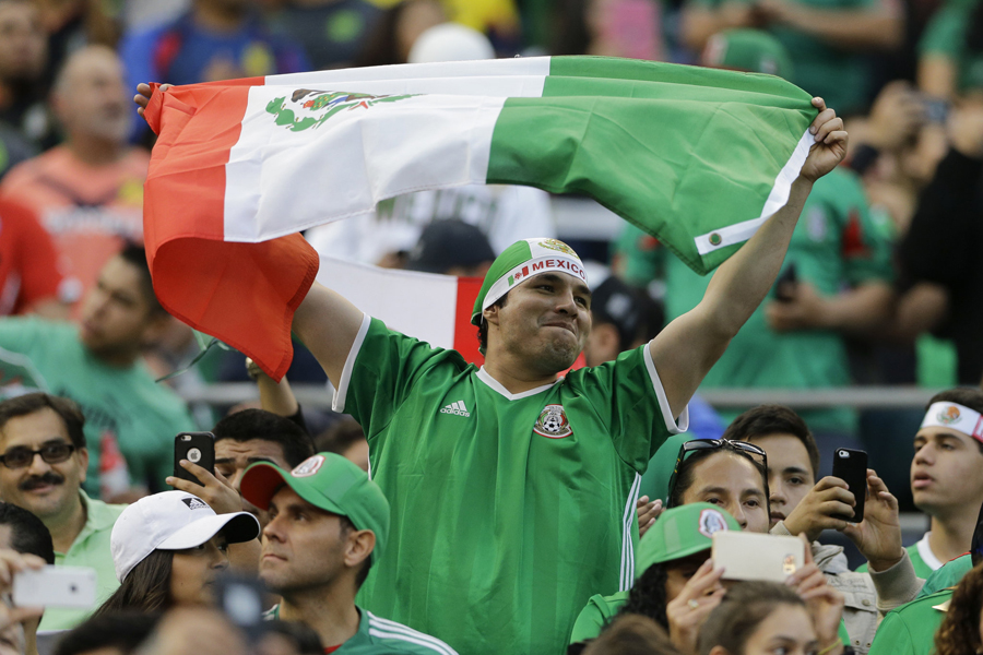 chile-mexico-soccer-5597f93bf6f9d530