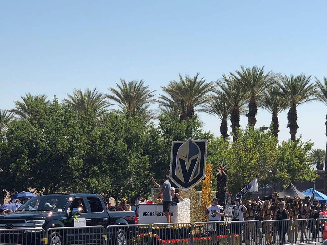 """El carro de """"Vegas Golden Knights, Vegas Born, Vegas Strong"""". Miércoles 4 de julio de 2018, en Summerlin. Foto Cortesía."""