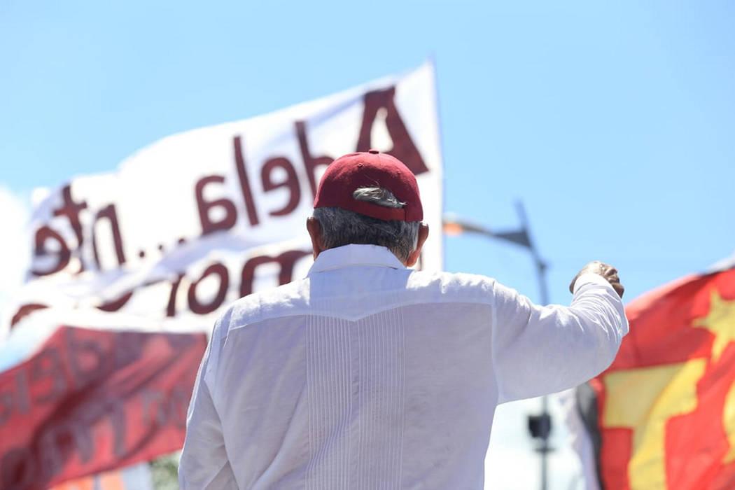 """Acapulco, 25 Jun 2018 (Notimex-Adriana Covarrubias).- Andrés Manuel López Obrador, candidato presidencial de la coalición """"Juntos Haremos Historia"""", acompañó a la aspirante a la alcaldía ..."""