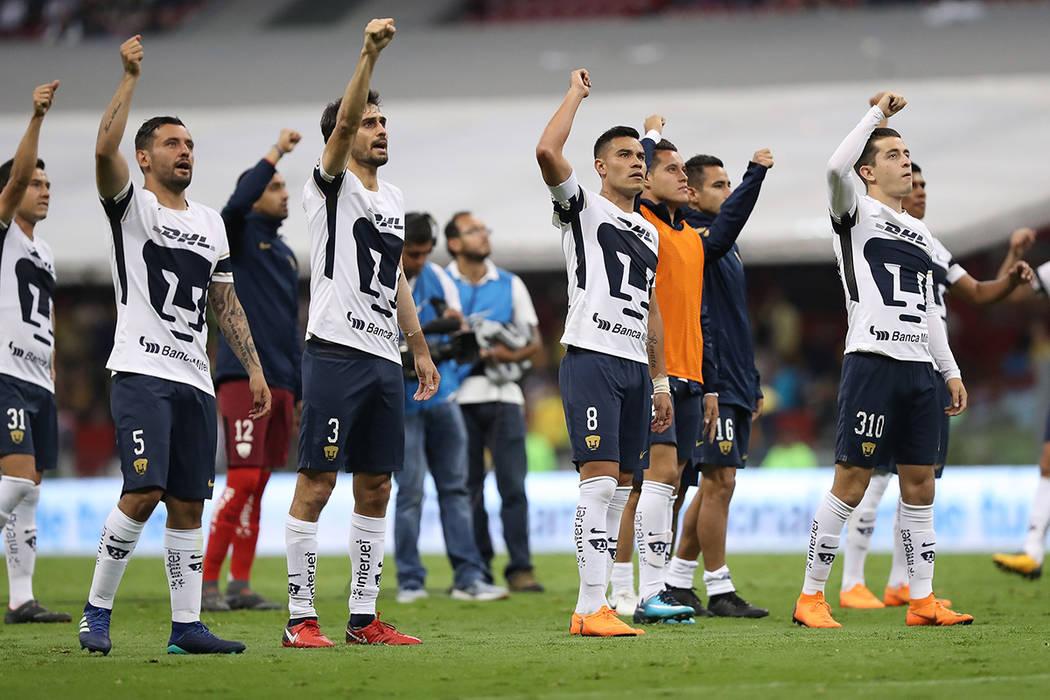 Archivo. México, 5 May 2018 (Notimex-Isaías Hernández).- El equipo América completó la obra que comenzó el miércoles al derrotar 2-1 (global 6-2) a Pumas de la UNAM, para así amarrar su bo ...
