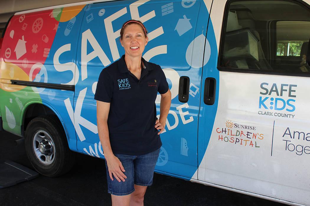 Heather Watson, directora de Safe Kids en el Condado Clark, dijo que menores de 12 años no pueden viajar en los asientos delanteros de un carro. Sábado 14 de julio de 2018, en las oficinas de la ...