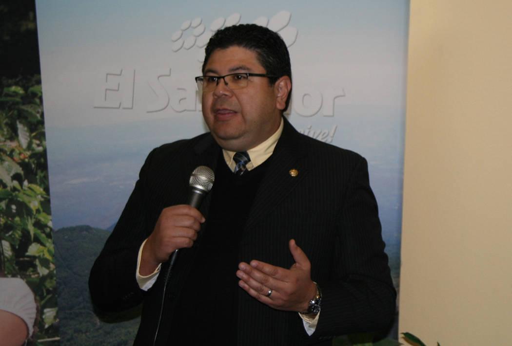 Cónsul de El Salvador, Tirso Sermeño. Foto El Tiempo - Archivo.