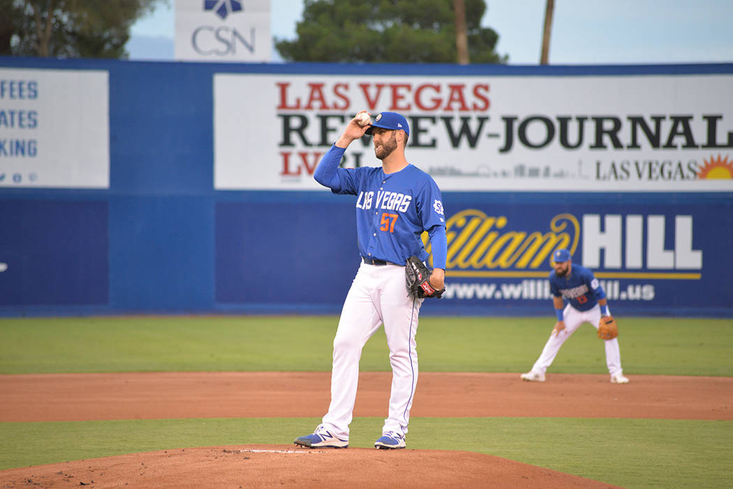 El lanzador Drew David Smith se alzó con la vitoria en el primer juego de la serie ante Albuquerque Isotopes. El jueves 12 de julio en el Cashman Field. Foto Frank Alejandre / El Tiempo.