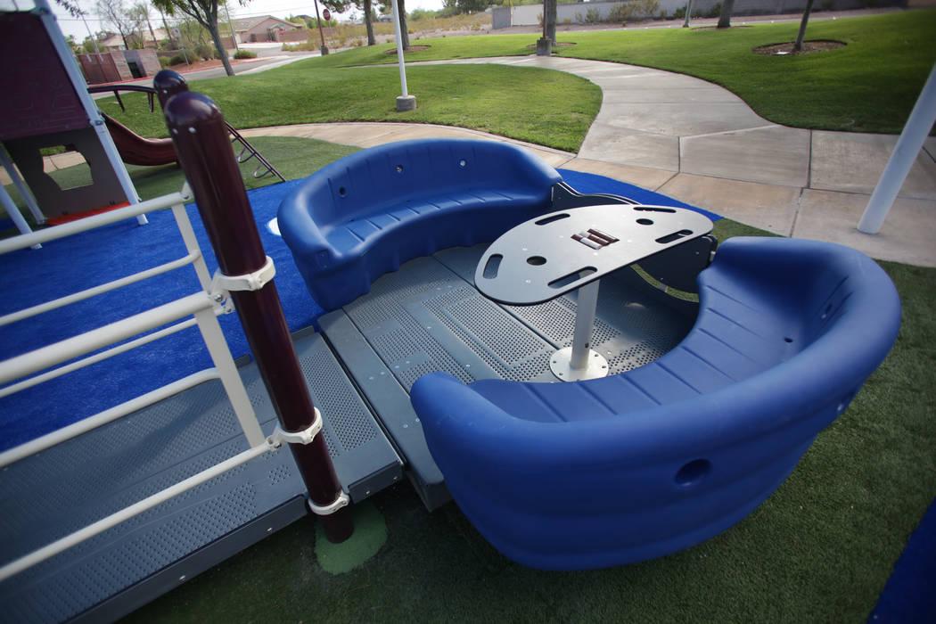 El Sway Fun Glider, que permite el acceso de sillas de ruedas y la diversión para niños de todas las capacidades, fue donado por Judy Leonard y su padre, Fred Leonard, a la ciudad de Henderson e ...