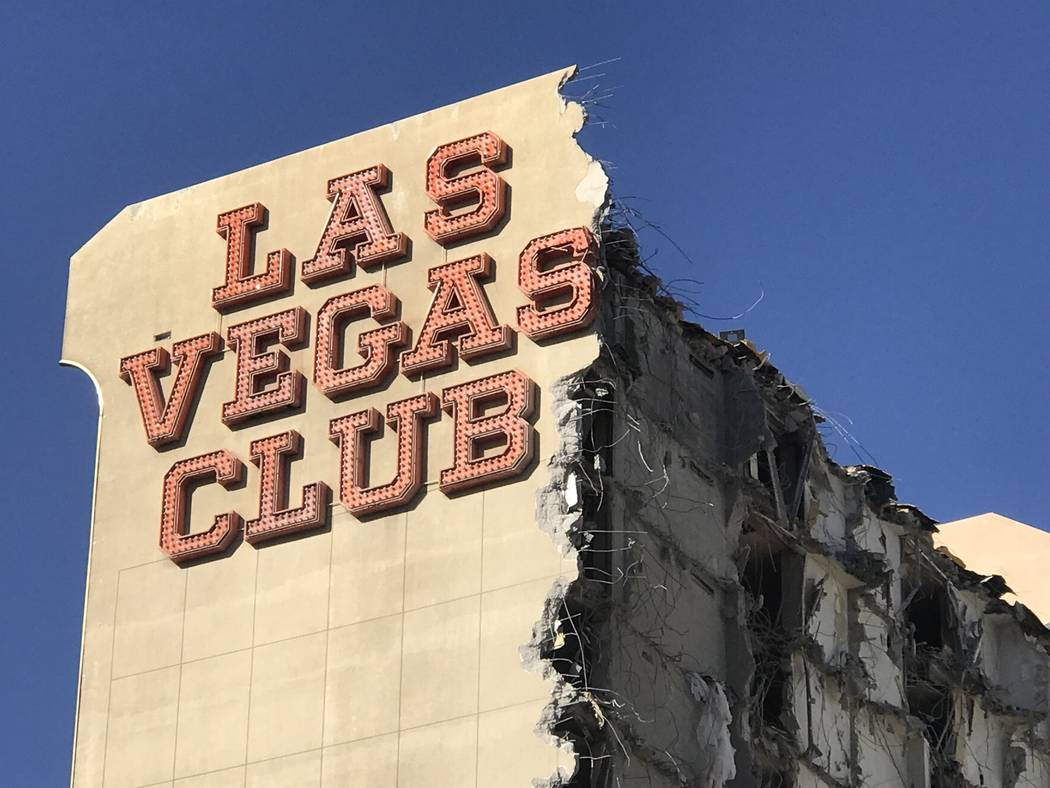El antiguo edificio del Las Vegas Club el jueves 5 de octubre de 2017. Los propietarios del D de Las Vegas y Golden Gate en el Centro de la ciudad están comenzando el proceso para convertir el vi ...