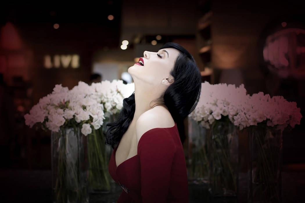 """México, 19 Jul 2018 (Notimex-Especial).- La soprano Susana Zabaleta se presentará por segunda ocasión como solista en la sala Nezahualcóyotl, con el concierto """"Adentro"""", lo cual consideró ..."""