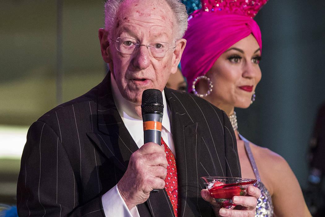 El ex alcalde de Las Vegas, Oscar Goodman, durante una celebración de turismo organizada por la Autoridad de Convenciones y Visitantes de Las Vegas en el centro comercial Fashion Show en Las Vega ...