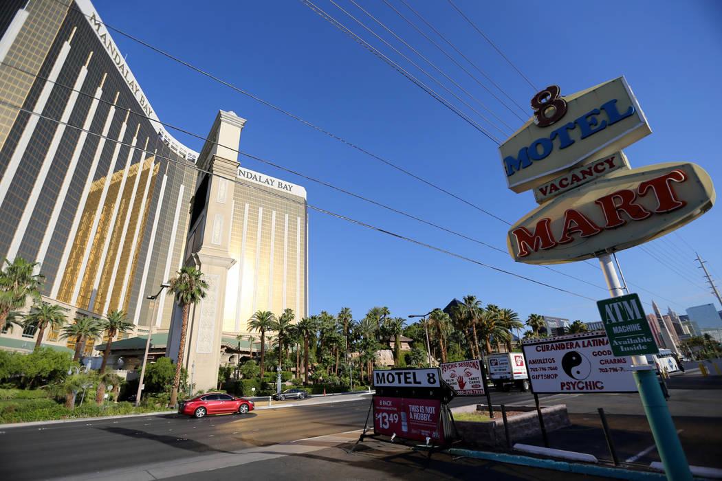 Una señal para el Motel 8 cerrado en el sur del Strip de Las Vegas el jueves 19 de julio de 2018. K.M. Cannon Las Vegas Review-Journal @KMCannonPhoto