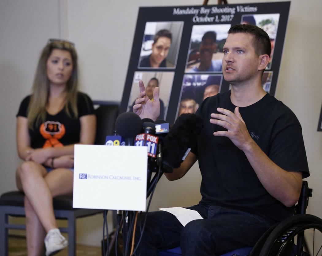 Jason McMillan, de 36 años, de Riverside, un agente del alguacil del Condado de Riverside que recibió disparos y quedó paralítico en el tiroteo de Las Vegas el 1 de octubre de 2017, habla sobr ...