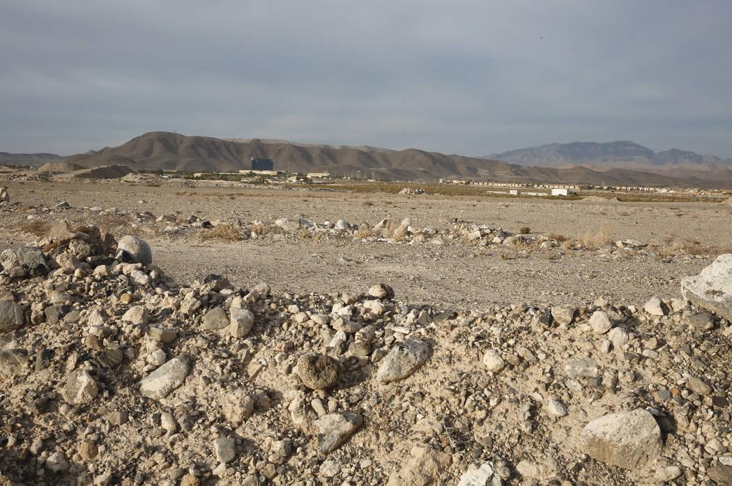 Un lote de 55 acres fotografiado en 2017 en Henderson muestra la futura sede corporativa y la instalación de prácticas de los Raiders. (Bizuayehu Tesfaye Las Vegas Review-Journal @bizutesfaye)