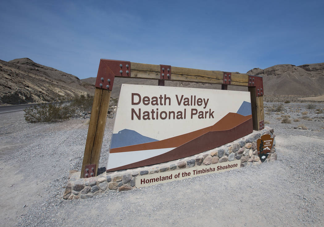 Un letrero marca la entrada al Parque Nacional Death Valley, California, el jueves 26 de julio de 2018. Richard Brian Las Vegas Review-Journal @vegasphotograph