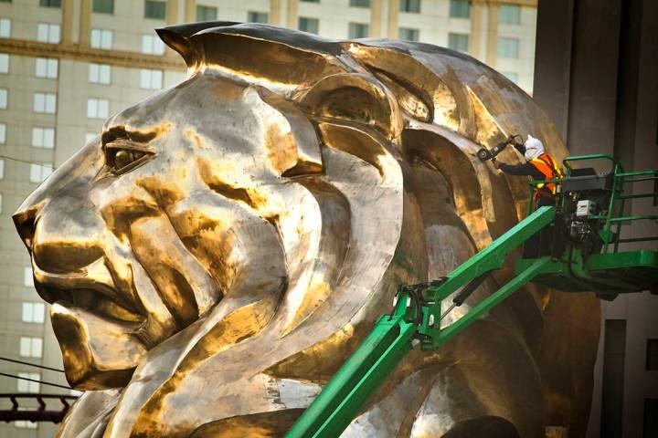 Aprueban 762 mil para restaurar antiguos letreros de - Sillones antiguos para restaurar ...