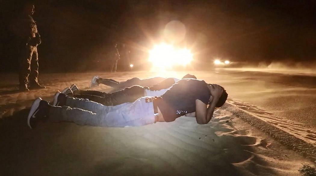 Archivo. Nogales, Son., 18 Jun 2018 (Notimex-Especial).- En lo que va del ejercicio fiscal 2018, aumentó un 71 por ciento el arresto de menores migrantes no acompañados en Arizona, respecto al a ...